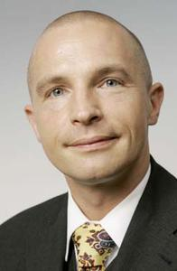 """""""ALPHA COM entlastet uns im Dokumentenmanagement sehr und reagiert auf Fragen oder Probleme sofort"""", sagt Jens-Ove Drechsler, Leiter des Abrechnungscenters der KV Niedersachsen"""