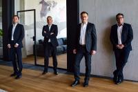 Vorstände der Toolcraft AG Marc Volkhardt, Christoph Hauck, Karlheinz Nüßlein und Bernd Krebs, Vorsitzender des Aufsichtsrats (v.l.n.r.)