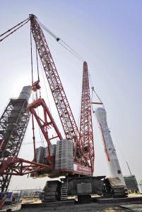 Miejsce czwarte zajmuje starszy model żurawia samojezdnego z miejsca drugiego – Terex Demag CC 8800-1. Maksymalny wysięg olbrzyma to 216 metrów, co czyni go wyższym niż Washington Monument (169 metrów wysokości)