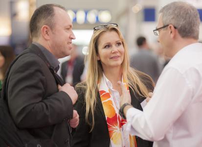 Isabelle von Künßberg (Prokuristin, Business Development) - nicht nur auf der CeBIT sucht acmeo aktiv das Gespräch mit Systemhäusern. Quelle: acmeo.