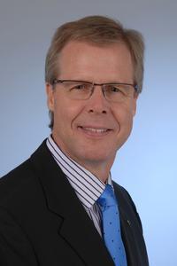 """Günter Brettschneider, Manager Professional Services bei ReadSoft, referiert zum Thema """"VAT-Compliance im Zusammenhang mit automatisierter Rechnungsverarbeitung""""."""