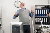 Qualitätsmanagement beruhigt die Nerven und schont das Budget, meinen die Macher eines satirischen Videos über Verschwendung am Arbeitsplatz (Bildnachweis: Safrany Arts/QualitätsVerbund Planer am Bau)