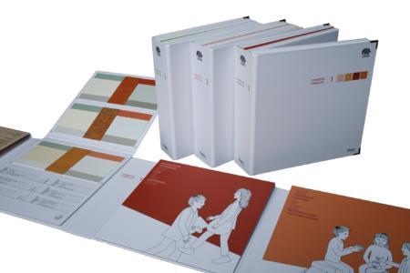 Drei Collagenbücher geben vielfältige Anregungen für die farbliche Gestaltung von Bildungseinrichtungen wie Kindergärten, Schulen und Hochschulen, Foto: Caparol Farben Lacke Bautenschutz