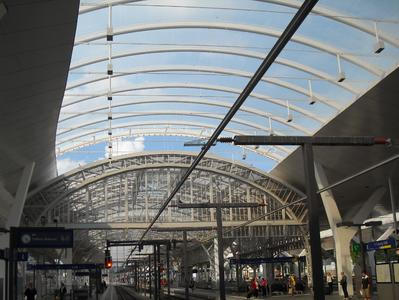 foil custions made of 3M Dyneon ETFE complement the historical main station
