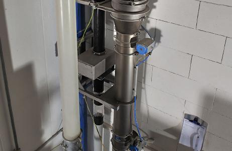 Sesotec GF 4000 metal separators can be integrated precisely into pneumatic conveying lines.  (Photo: Sesotec GmbH)