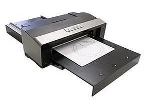 Hochwertiges Drucksystem für Firmen- und Anlagenschildern, Frontblenden, Skalen und Ziffernblättern; Materialstärken bis 3 mm