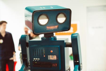 Foto 1 Hugo Roboter.jpg