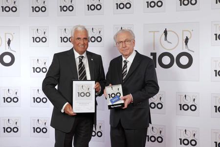Auszeichnung TOP 100 überreicht durch Prof. Dr. Lothar Späth
