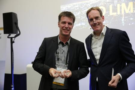 FKOM16_BCN_Partner_Excellent_Award_EMEA&MEE_2311.jpg