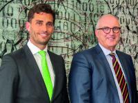 Chief Executive Officer Stephan Gais (rechts) und der neue Mahr-Geschäftsführer Manuel Hüsken / Bild: Mahr GmbH