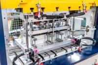 Durch den großen Werkzeugraum sind Ziehhöhen bis 150 mm möglich, © Bildquelle: Nägeli Swiss AG