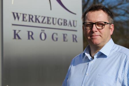 """Hans-Jürgen Kröger, Geschäftsführer von Werkzeugbau Kröger: """"Der Kunde erwartet von uns ein hochgenaues, lange haltbares Werkzeug"""" (Bild: Werkzeugbau Kröger)"""
