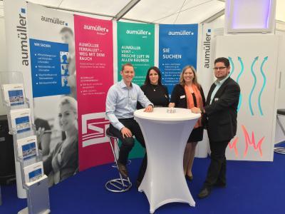 Das Messeteam von Aumüller Aumatic auf der Firmenkontaktmesse Pyramid in der Hochschule Augsburg.