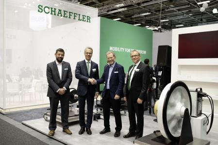 """The """"Flatrate for Axlebox Bearings"""" is coming: The letter of intent was signed at the InnoTrans 2018 by Justin Southcombe, Commercial Director at Perpetuum, Dr. Stefan Spindler, CEO Industrial at Schaeffler, and Steve Turley, CEO of Perpetuum, and Dr. Michael Holzapfel, Senior Vice President Business Unit Rail Europe at Schaeffler's Industrial Division (Picture: Schaeffler)"""