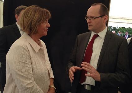 Johannes Schmidt (EurA) im Gespräch mit Ulla Schmidt (Vizepräsidentin Deutscher Bundestag)