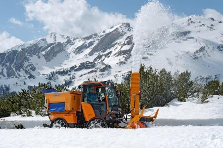 Holder C-Reihe im Einsatz beim Schneefräsen (Foto: Max Holder GmbH)