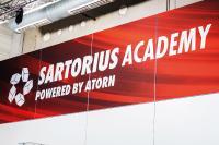 Das Logo der SARTORIUS-Academy ist überall präsent