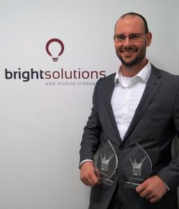 Manuel Pistner, Geschäftsführer von Bright Solutions, freut sich über die doppelte Auszeichnung