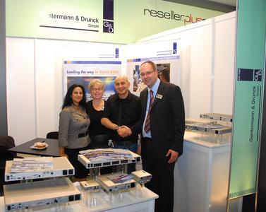 G&D's exhibition team with Hakan Demirler of Sinerji Vass, new sales partner in Turkey