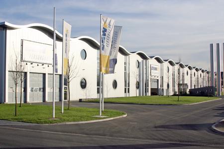 Exzellenz in Form und Funktion: ESWE-Gebäude/Lagerhallen mit sympathischem Auftritt (Foto: ESWE)