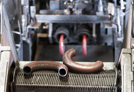 Die Firma Lindemann steigerte durch die Ressourceneffizienz-Maßnahmen die Produktivität der Anlage um 20 Prozent. Lindemann GmbH & Co. KG Orion-Eisenverarbeitung