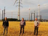 Vertreten die Meerhofer Windkraftbetreibergesellschaften, die den deutschlandweit einmaligen Tarif ermöglichen: (v.l.n.r) Christoph Luis, Michael Flocke und Josef Dreps
