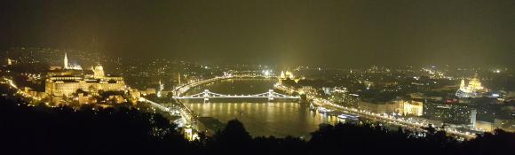 Budapest_at_night.jpg