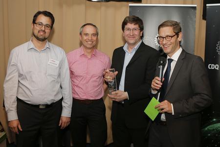 The winners proud winners: Dr. Jochen Kokemüller, Matthias Dod, Klaus Pfreundner (all Robert Bosch GmbH) and Prof. Dr. Boris Otto (Head of the CC CDQ)