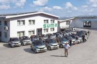 Alltag bei SUMA: Mit dem E-Auto zur Arbeit, getankt wird mit eigen produziertem Strom