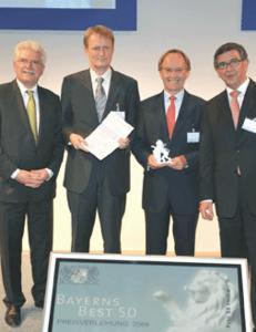 v.l.n.r. Staatsminister Martin Zeil, Dr. Klaus Eder, Hans Berner, Ralf Broschulat (Ernst&Young) / SX Heuser