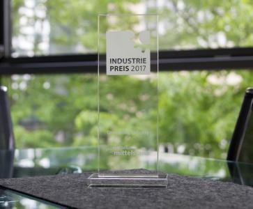 INDUSTRIEPREIS 2017 Pokal