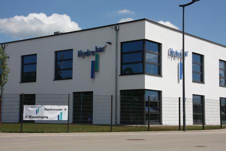 Firmengebäude Hydrobar / Die Nutzung von cobra erspart der Hydrobar GmbH viel Zeit, da alle Informationen auf einen Blick ersichtlich sind