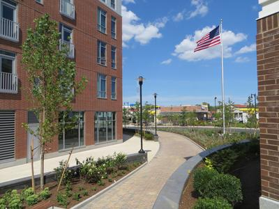 Charlesview Residences, Boston, MA - ZinCo system build-up 'Recreational Park' - The green roof includes planted areas, walkways and driveways and was realized by a continuous installation of the extremely stable and trafficable element Stabilodrain® SD 30