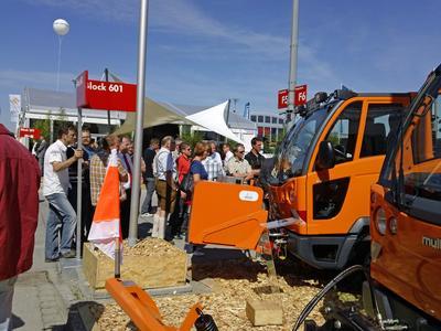 Großes Besucherinteresse auf dem IFAT-Messestand der Marken Hako und Multicar.
