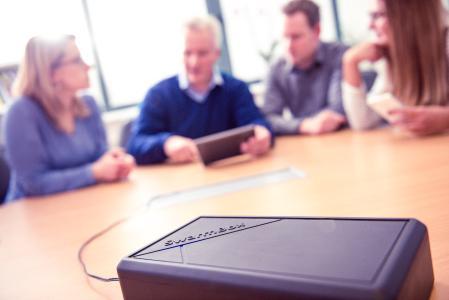 Mit der neuen SwarmBox von SwarmWorks können Unternehmen Meetings, Vorträge, Workshops oder Tagungen selbst einfach und kostengünstig interaktiv gestalten