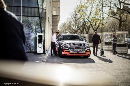 SMA Solar Technology AG und Audi kooperieren zur Einbindung der E-Mobilität ins häusliche Energiemanagement