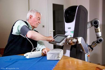 Mehr Lebensqualität für unterstützungsbedürftige Menschen / Foto: Fraunhofer-Institut für Produktionstechnik und Automatisierung IPA