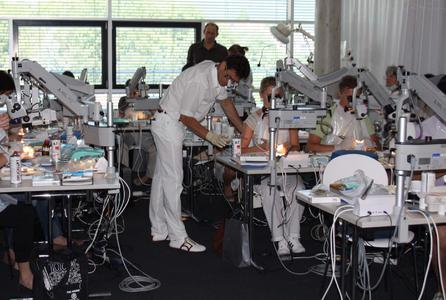 NAhezu ausgebuchte Kurse am Aalener Mikroskop Training Center MTC