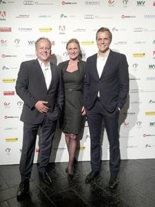 """Proud to have won the silver BPC Award for the third time: Wolfgang Narr, Head of Public Relations, Katy Hahn, Editor-in-Chief """"Unlimited"""", and Klaus Gollwitzer, Head of Corporate Communications REHAU"""