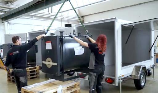 Die mobilen Heizanlagen werden in der Firmenzentrale in Gottmadingen geplant und gebaut / Bildquelle: Hotmobil Deutschland GmbH