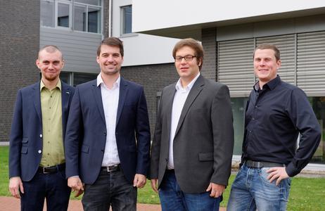 """Aus der Forschung in die Wirtschaft: Hayo Seeba, Frederick Haack, Timo di Nardo und Teamleiter Jan grosse Austing (von links) sind mit dem ResiFlow-Projekt in das """"EXIST""""-Forschungstransfer-Programm aufgenommen worden."""