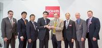 "ROHM Semiconductor GmbH zeichnet die Digi-Key Corporation mit dem ""Best Performing globalen E-Commerce-Partner"" Preis aus"