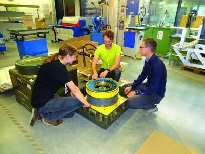 Die Besonderheit des WARR Prototypens ist die Turbine im vorderen Bereich, mit ihr wird der Widerstand und die Reibung im Teilvakuum minimiert