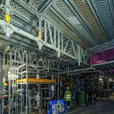 Bild 9 Bei Überbrückungen mit dem modularen ULS Systemgitterträger ließen sich die Beläge direkt auf den Obergurten einbauen – mit jederzeit wechselbarer Belagsrichtung. (Foto: PERI Deutschland)