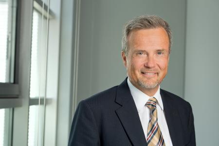 Dr. Dirk Schlesinger