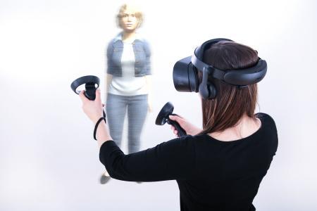 Augmented Reality: Übernimmt bald ein maßgeschneidertes Hologramm das Anprobieren von Kleidungsstücken im Laden?