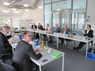 Die Parter der Fachkräfte-Allianz Pforzheim trafen sich bei der der Pforzheimer Außenstelle der Handwerkskammer Karlsruhe zum Austausch