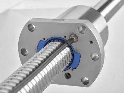 Die von August Steinmeyer entwickelte Technik der Zustandsüberwachung eines Kugelgewindetriebs zielt darauf ab, die Vorspannung der Mutter auf der Spindelwelle durchgehend zu überwachen