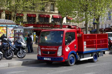 Tafanel beliefert seine Kunden seit kurzem mit einem elektrisch angetriebenen Renault Maxity