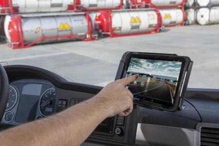 Einen Teil der Flotte hat XPO nicht nur mit einem Truck4U-Bordcomputer, sondern auch mit einem FleetXPS Tablet ausgestattet (Foto: Trimble)